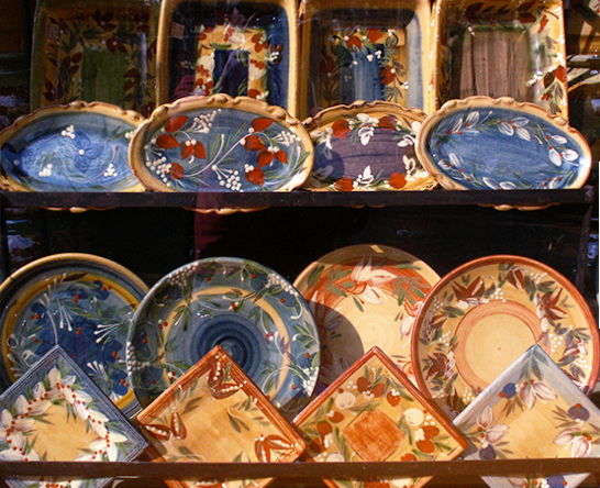 photo of pottery in Arles. © J. Hulsey