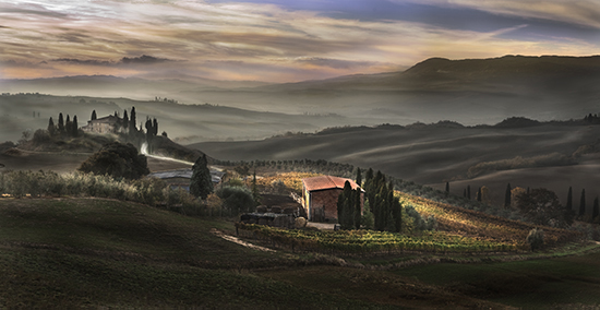 photo of Tuscan sunrise © Robert Copeland
