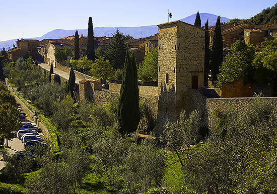 photo of San Quirico d'Orcia in Tuscany © J. Hulsey